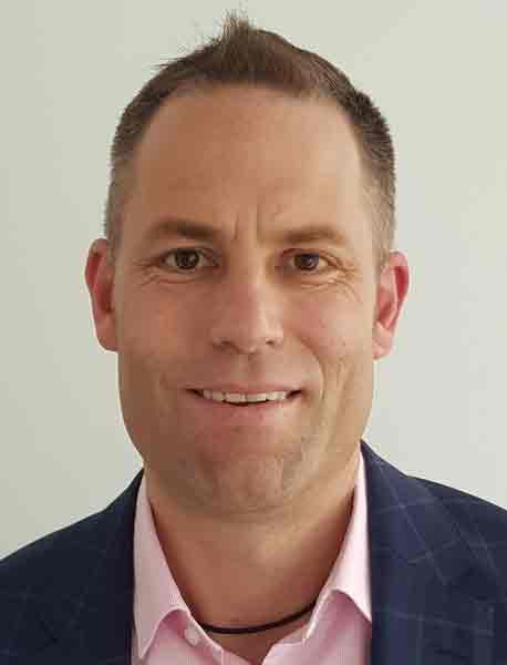 Stefan Imperial ist seit 2014 als Business Analyst und Senior Consultant bei PECOS tätig. Er berät Großunternehmen und koordiniert die Umsetzung von IT- und Telekommunikationsprojekten vor Ort.